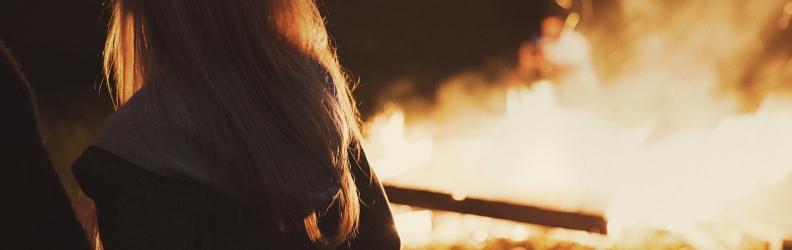 Door vuur overvallen